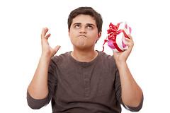 Так ли на самом деле рады мужчины вещам, преподнесенным им в качестве подарков?
