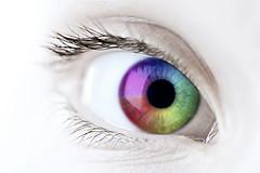 Ученые доказали, что предрасположенность к заболеваниям, а также их наличие можно определить по состоянию и цвету глаз и волос.