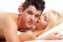 Чего боятся сильные мира сего, ложась в постель с женщиной?