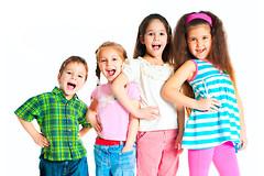 Педиатры обнаружили, что цвет одежды ребенка влияет на его здоровье