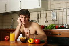 Мужчины, пропускающие завтрак, на 27% чаще страдают от сердечно-сосудистых заболеваний.