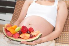 Женщины, которые хотят забеременеть, должны плотно завтракать, советуют исследователи.