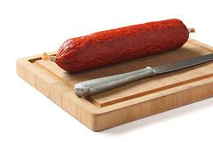 Колбасные изделия оказывают негативное воздействие на мужскую фертильность.
