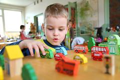 У детей, отцы которых старше 50 лет, вероятен диагноз аутизм.