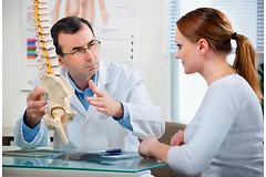 Часто ли вас беспокоят боли в спине? Не все знают, что на самом деле грыжа позвоночника появляется практически у каждого человека