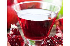 Гранатовый сок предотвращает воспаление и разрушение клеток головного мозга.