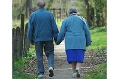 Для облегчения симптомов артрита достаточно делать по 6000 шагов в день.