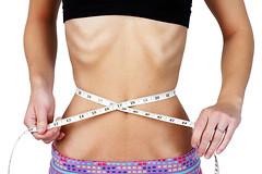 Быстрые диеты более эффективны, чем долгосрочные программы по снижению веса, говорится в новом исследовании.