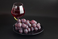 Вино, вероятно, играет определенную роль в регулировании уровня сахара в крови.