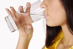 В медицине существует понятие суточной нормы потребления воды.